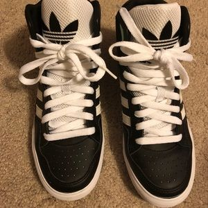 le adidas originali hightops poshmark